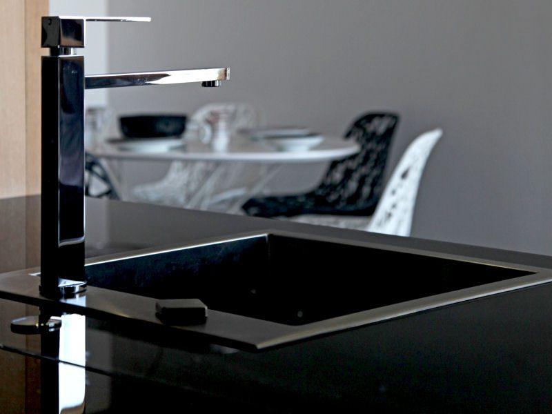 Claves para crear una cocina moderna - Encimeras de cocina de cristal ...